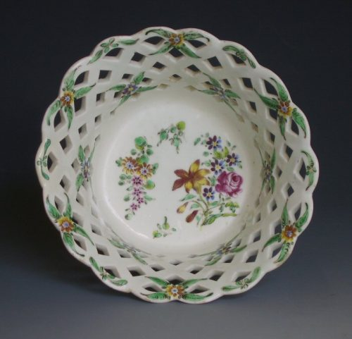 Bow porcelain basket