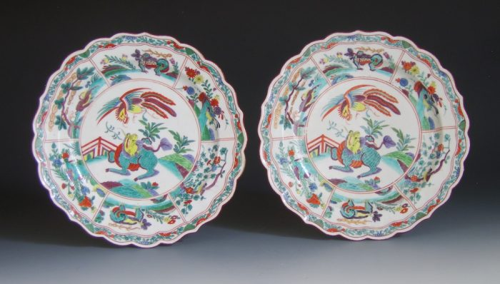 Pair of Worcester porcelain dessert plates