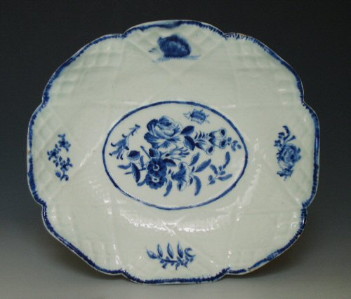 Bow porcelain shaped dish