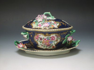 Worcester blue scale tureen