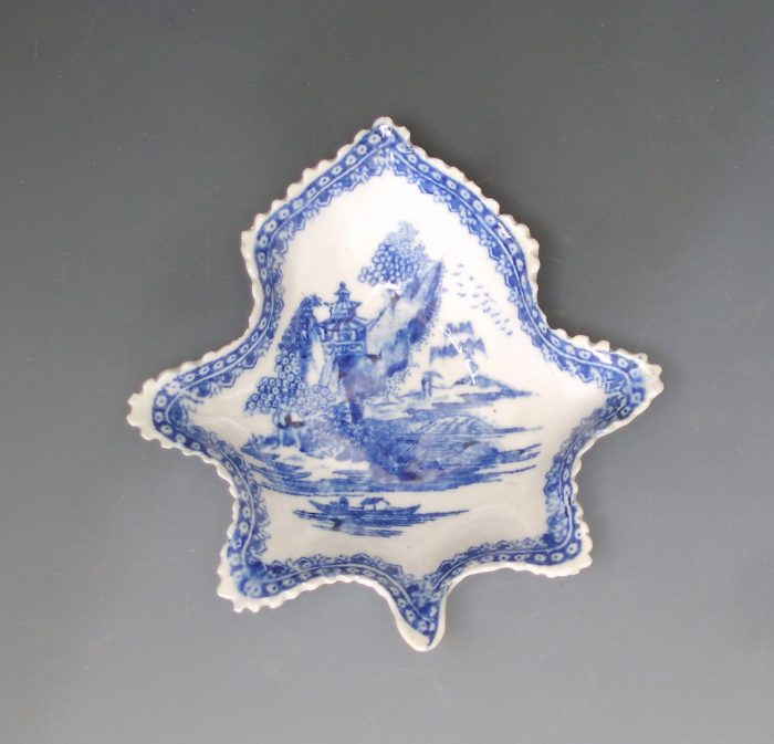 Rare New Hall porcelain pickle dish