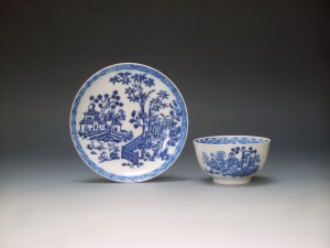 Isleworth tea bowl and saucer