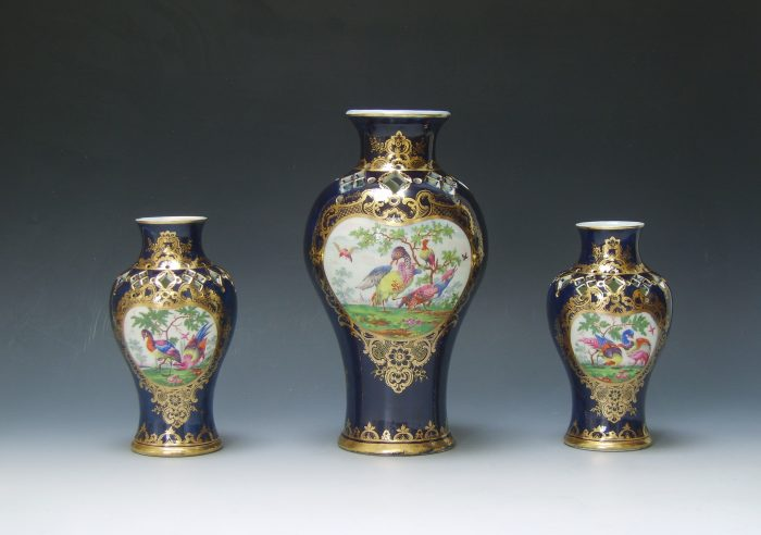 Garniture of Worcester vases