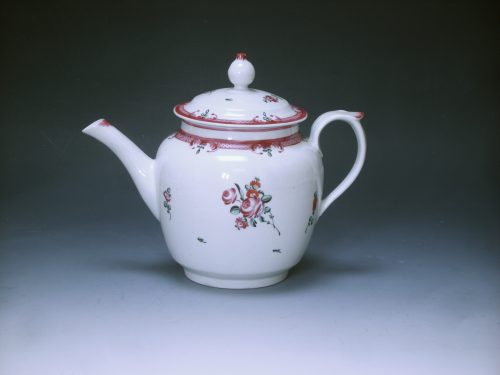 New Hall round teapot