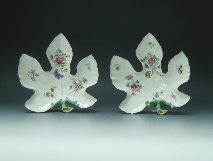 Large Bow leaf dish