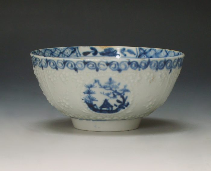 Lowestoft porcelain sugar bowl