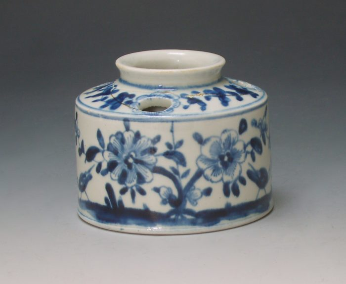 Lowestoft porcelain inkwell